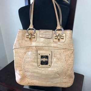 B MAKOWSKI LEATHER TOTE PURSE WITH DUST COVER